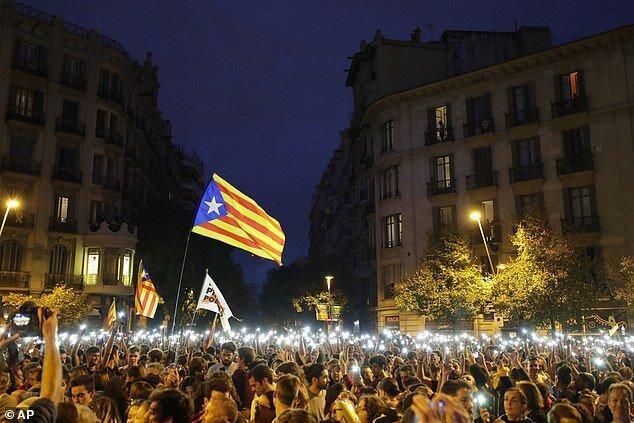 درخواست راهپیمایان کاتالونیا برای آزادی زندانیان