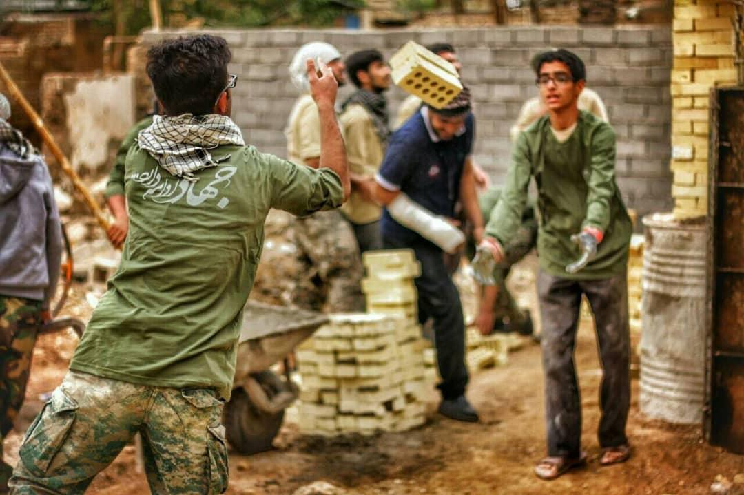 ساخت 15 روزه خانه برای سیل زده های سیستانی توسط قرارگاه جهادی امام رضا (ع)