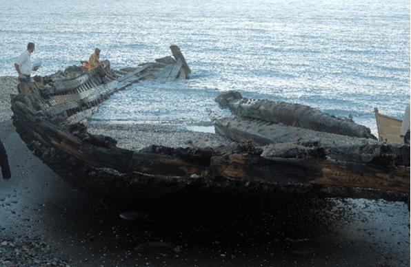 برپایی هرنوع سازه در اطراف کشتی تاریخی قروق تهدید کننده است