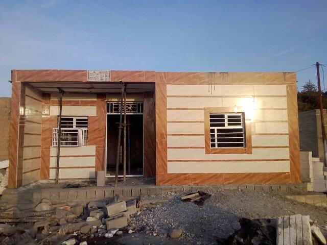 احداث بعضی خانه های آسیب دیده از سیل به مرحله سقف رسید