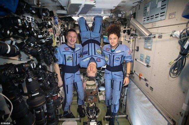 انگیزه دهی فضانوردان به افرادی که به دلیل کرونا ویروس در خانه مانده اند (