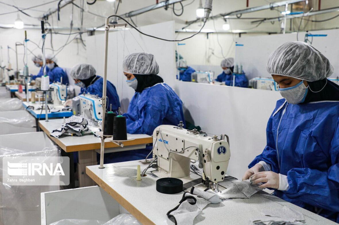 خبرنگاران روزانه 450 هزار ماسک در استان تهران فراوری می گردد