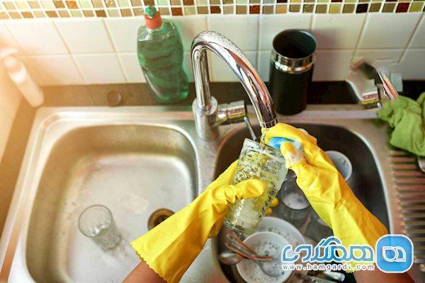 نحوه شستن ظروف در خانه ای که بیمار کرونایی دارد
