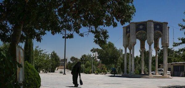 قبرستان تاریخی شبیه زمین فوتبال می شود