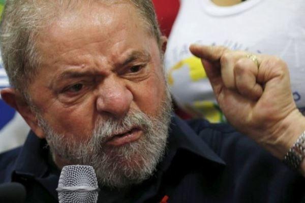 آمریکا همواره در پس سقوط حکومتهای آمریکای لاتین است