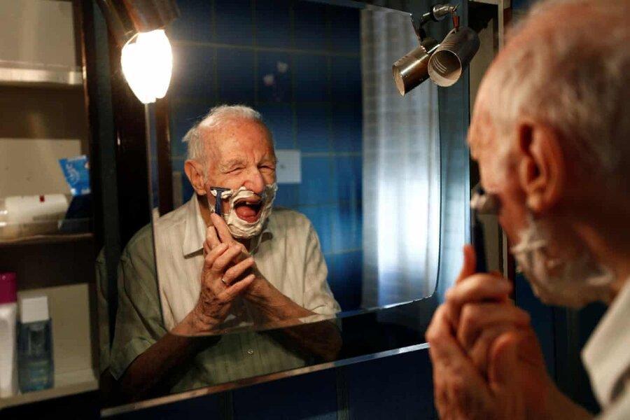 عکس روز ، فارغ التحصیلی در 96 سالگی