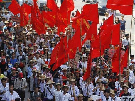 تداوم اعتراضات ضد کودتا در میانمار