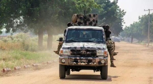 خبرنگاران حمله داعش به کاروان نظامی نیجریه 19 کشته و 13 زخمی برجای گذاشت