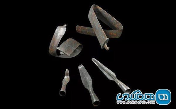 اعلام کشف سلاح های تاریخی که عمدا خمیده شده اند