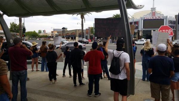 هجوم گسترده مهاجران به شهر مرزی تیخوانا بین مکزیک و آمریکا
