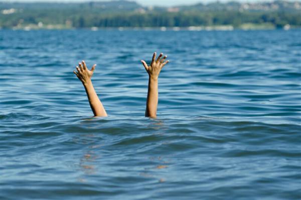 خبرنگاران جوان 24 ساله در چاه نیمه چهار سیستان غرق شد