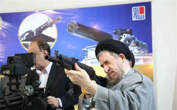 بازدید نمایندگان از نمایشگاه رزم زمینی وزارت دفاع