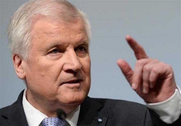 هشدار وزیر کشور آلمان درباره خطر روزافزون تروریسم
