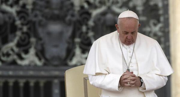 پاپ فرانسیس در بیمارستان بستری شد