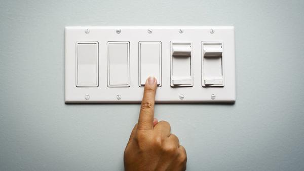 با انواع کلید و پریز برق بیشتر آشنا شوید