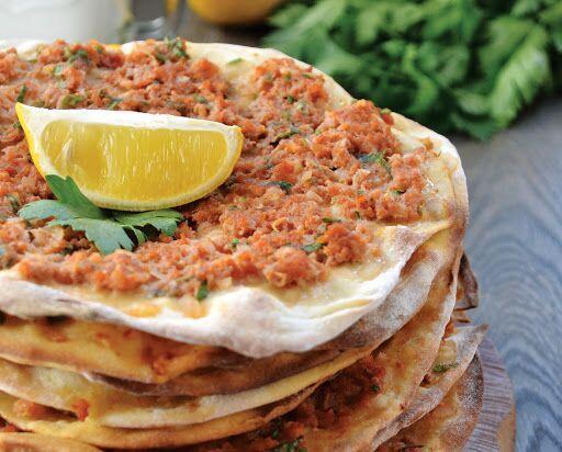 ارزانترین تورهای ترکیه: طرز تهیه لاه ماجون؛ پیتزایی مجذوب کننده از ترکیه